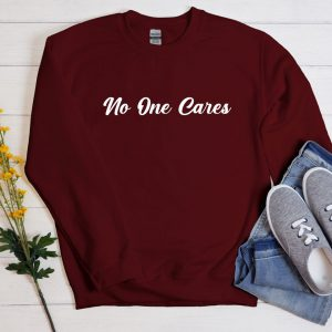 No one cares sweater burgundy