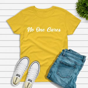 No one cares t-shirt yellow